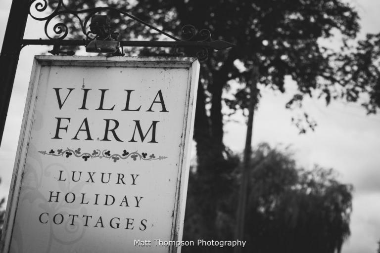 villa farm sign